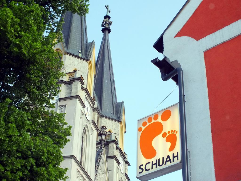 Schuhhaus mit Stiftskirche Admont